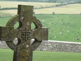 Celtic cross at burial site , Nestor Gabriel J - June 2014