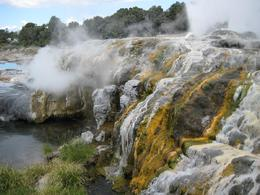 Rotorua Springs: Hot springs and sulfur deposits - November 2007