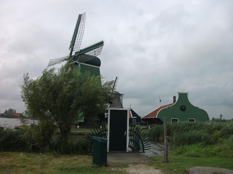 Zaanse Schans Windmill_DSCF5632_Tania Dey - Amsterdam