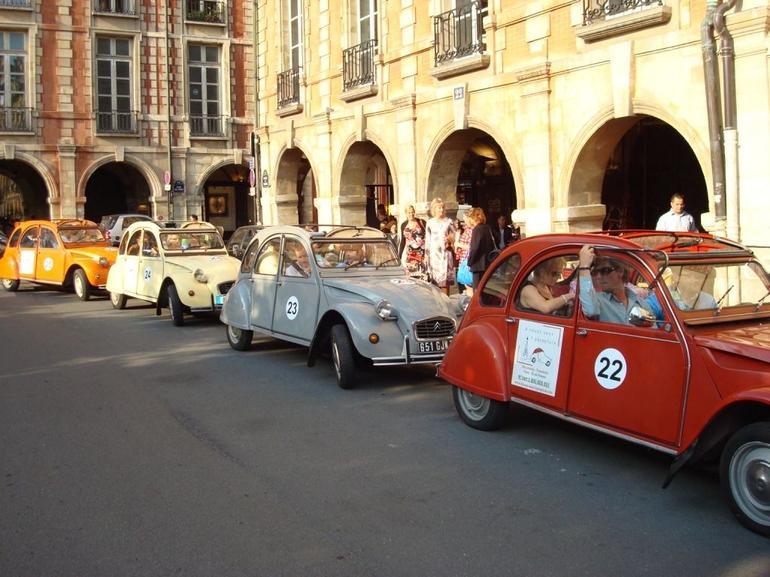 Paris by Citroen 2CV tour - Paris