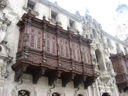Decorations on the Cathedral of Lima., Bandit - June 2012