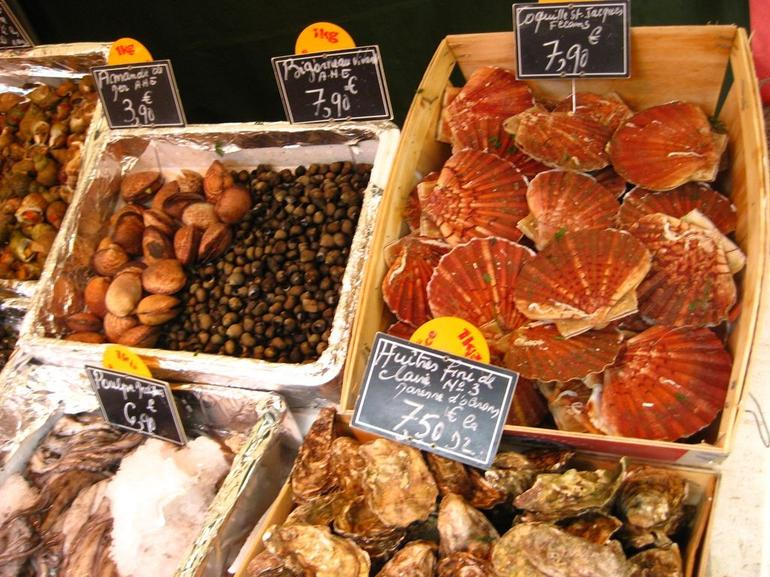 Paris Food Tour: French Gastronomy and History