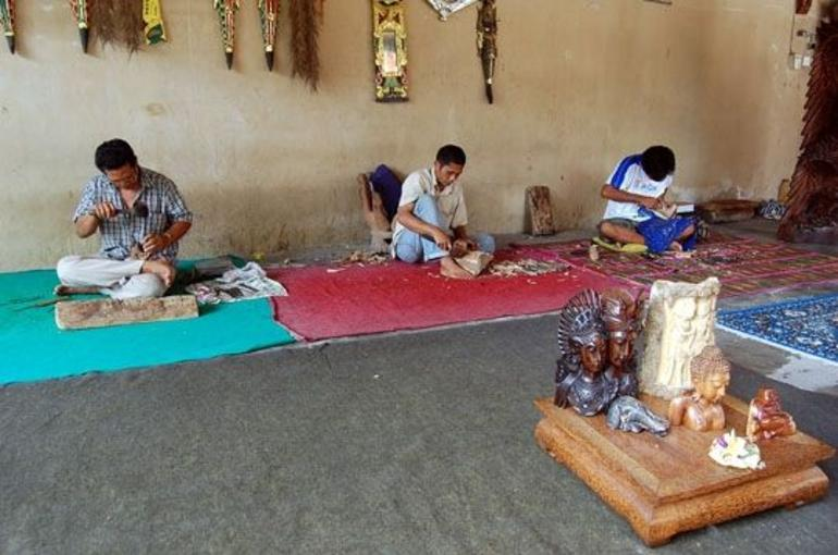 Wood Carving Shop - Bali -