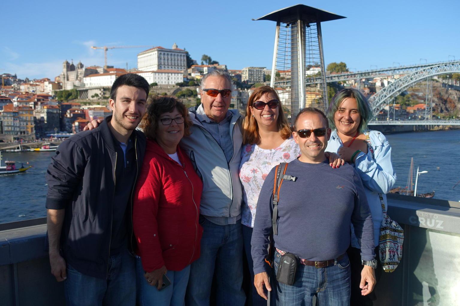 MÁS FOTOS, Recorrido de día completo con cata de vinos para grupos pequeños por la ciudad de Oporto y crucero por el río Duero