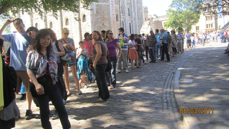 queue at TOWER OF LONDON to see HER MAJESTY'S JEWELS - London