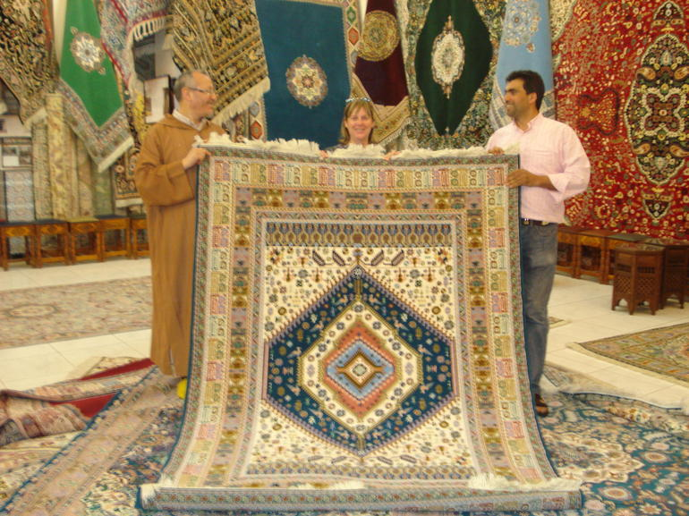 Sold! Moroccan carpet sold to Bermudian - Costa del Sol