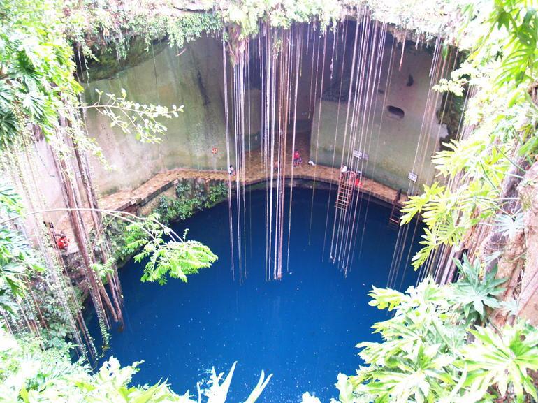 Cenote - Cancun