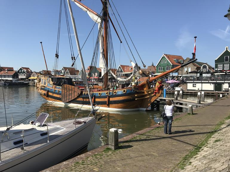 Small Group Zaanse Schans Windmills, Volendam and Old Villages Tour from Amsterdam Including Dutch Schnapps Tasting photo 6