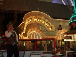 "Only in Vegas can you ride in a double decker bus with ""Rod Stewart"" sing and nobody cares!, Daniel M - September 2009"