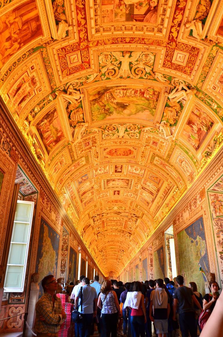 HALLWAY OF MAPS - Rome