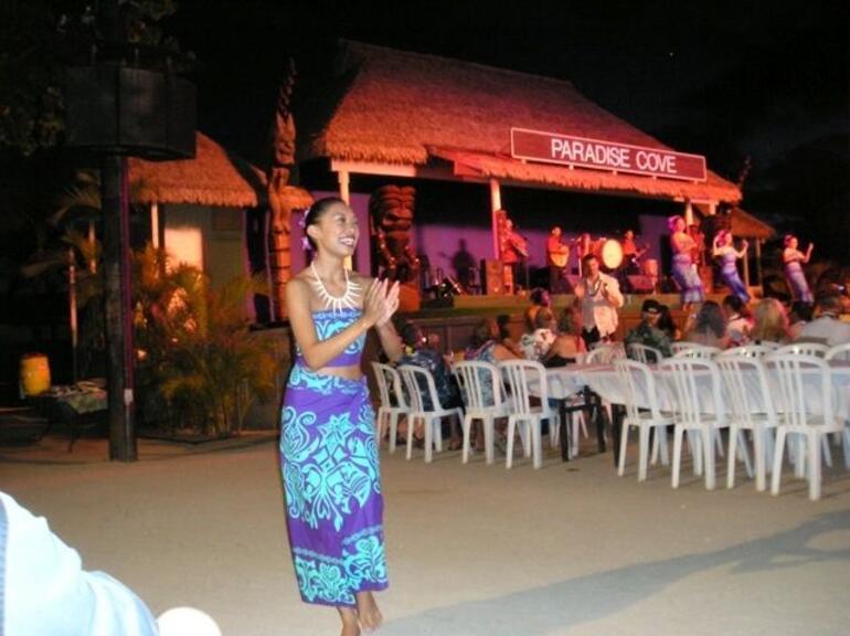 Paradise Cove Luau - Oahu