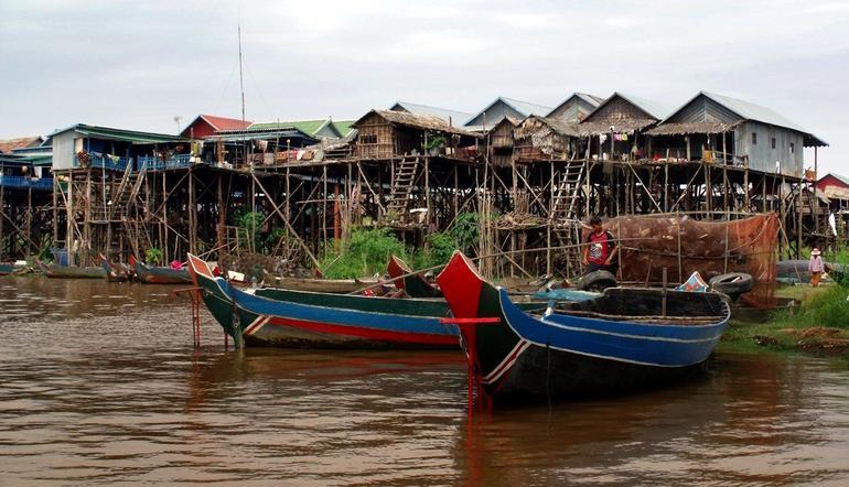 village on stillts - Siem Reap