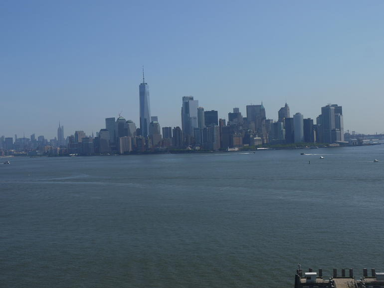 New York City Package: Statue of Liberty Reserve Ticket, THE TOUR and Lunch or Dinner photo 4