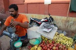 Walking around Agra, interesting culture - August 2012