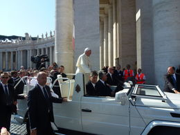 1er rang pour le passage du Pape , Francis M - June 2015