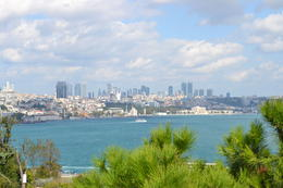 the new city viewed from the Topkapi palace , crismontez - October 2017