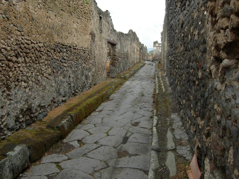 A street in Pompeii - Rome