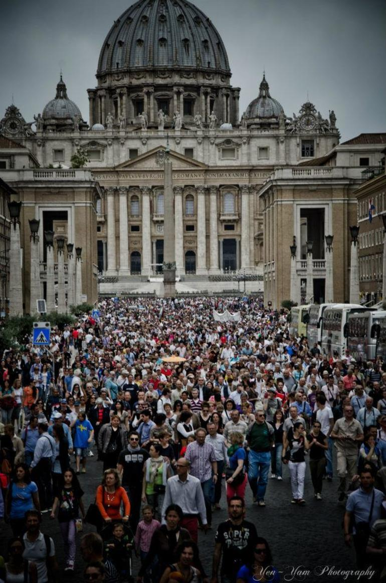 last Sunday of the month. People jampacked in Vatican City - Rome