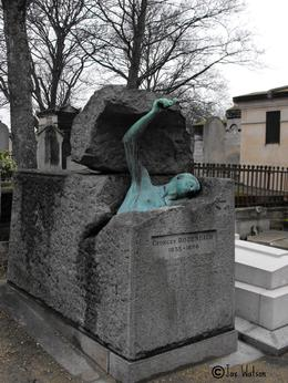Pere Lachaise Cemetery - Awesome. Must see., Jax Watson - November 2010