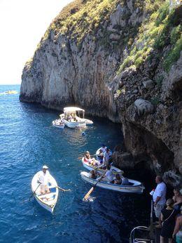 Sejltur - indgang til Den Blå Grotte , Vivi G - June 2016