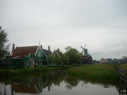 The windmills we saw where fantastic. It made us realise we were seeing some of the tradition of Holland , Deb - June 2013