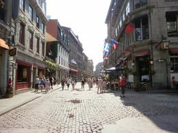 Great area for old buildings, good restaurants & shops. Cobblestone streets take you back. - August 2010