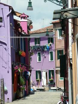 petite ruelle de l'ile de Burano , Fabienne G - May 2013