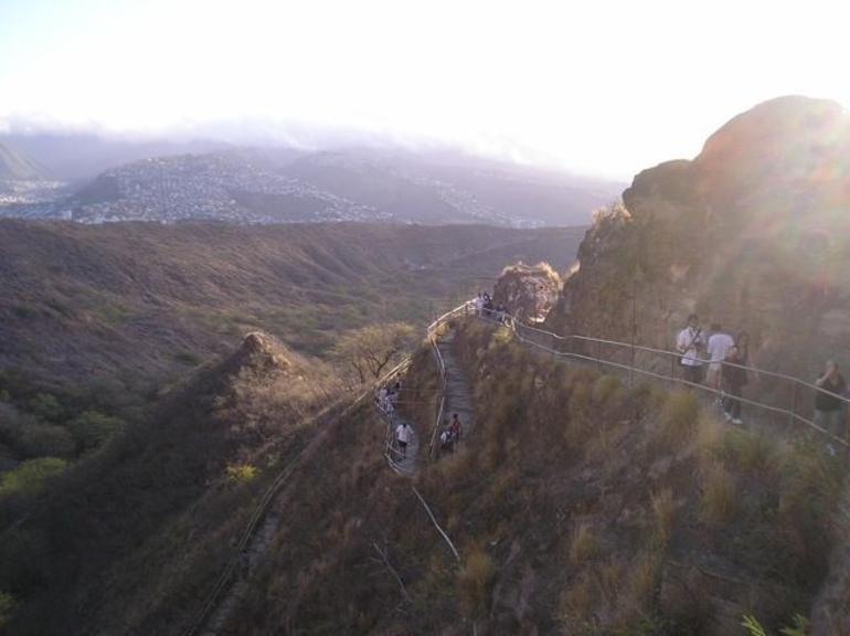 Diamond Head Hike Trail - Oahu
