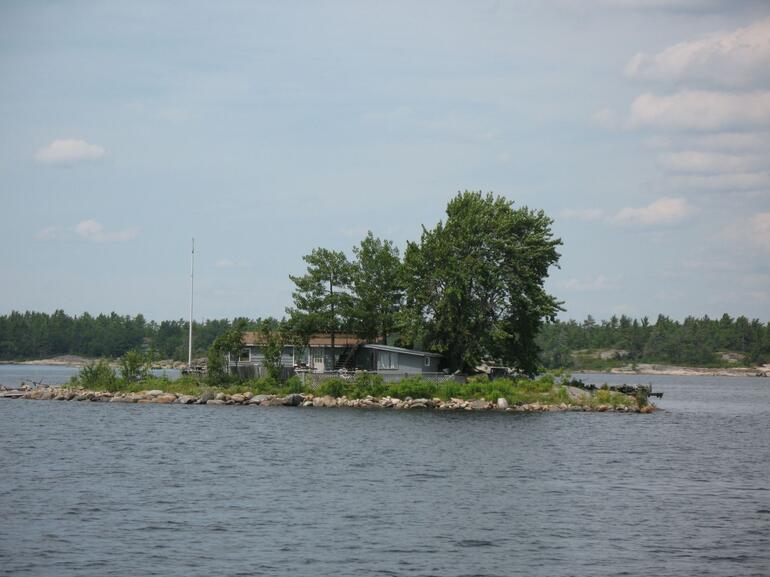 Georgian Bay's tiny island - Toronto