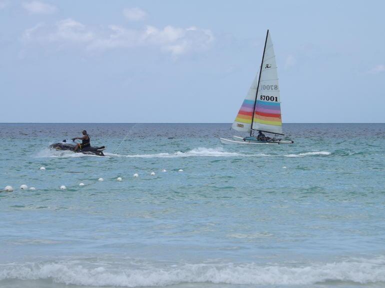 Negril 7 Mile White Sand Beach - Margaritaville - Negril