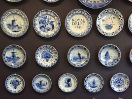 Plates at Royal Delft factory. , Rhiannon - December 2016