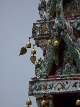 Bells that tinkle around Wat Arun., kellythepea - October 2010