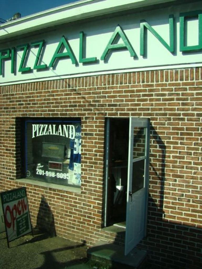 Pizzaland - New York City