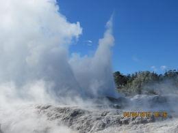 This is the Pohutu geyser erupting , robert h - April 2015