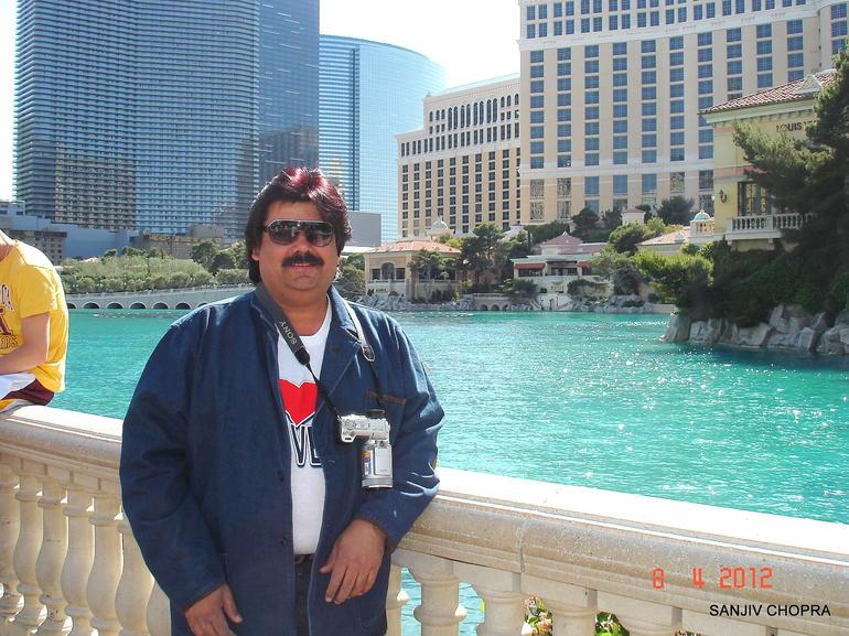 In Front of Hotel Bellagio-Las Vegas - Las Vegas