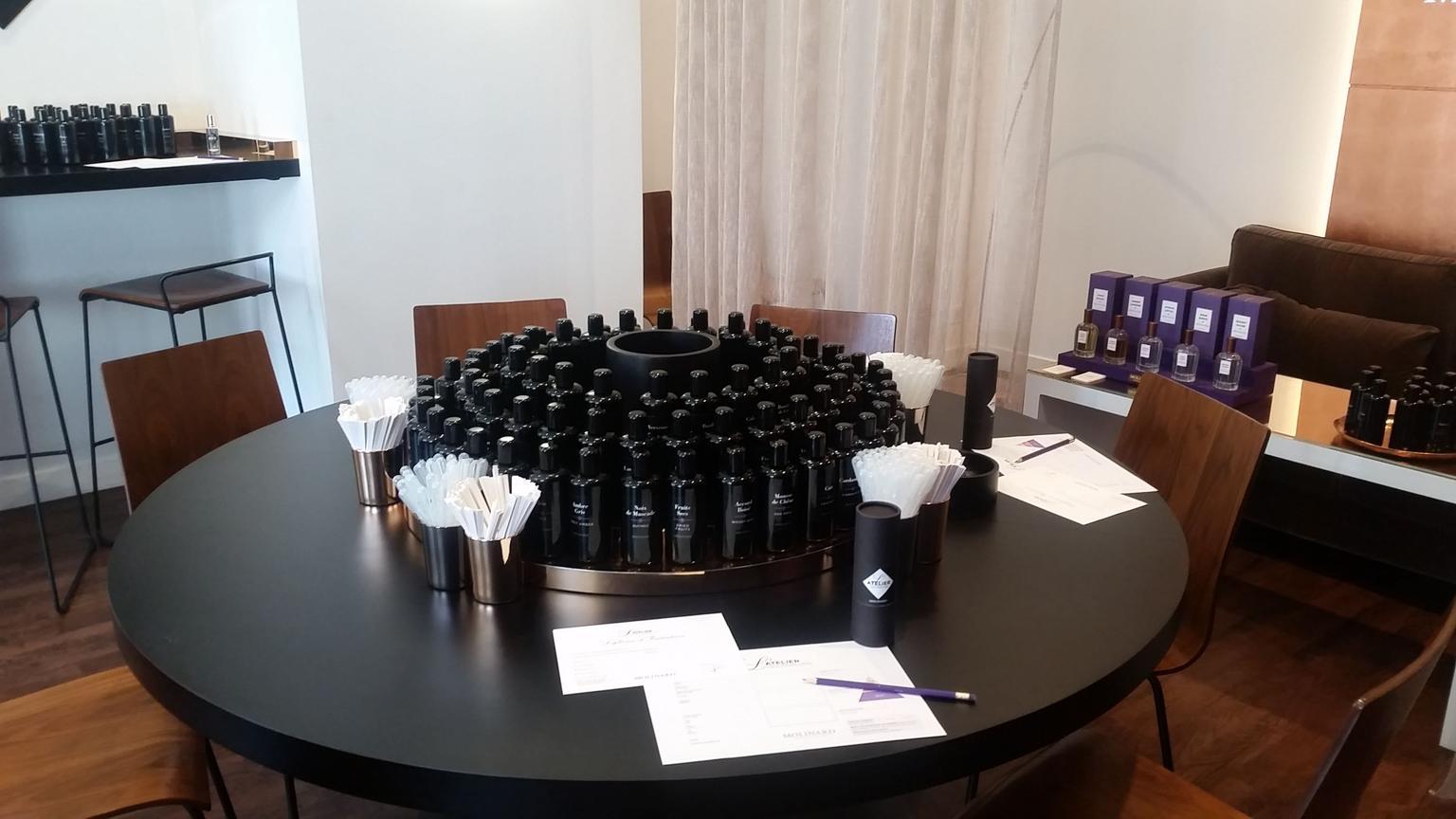MÁS FOTOS, Taller en la perfumería Molinard de Niza