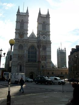Photo stop at famous Westminster Abbey - August 2010