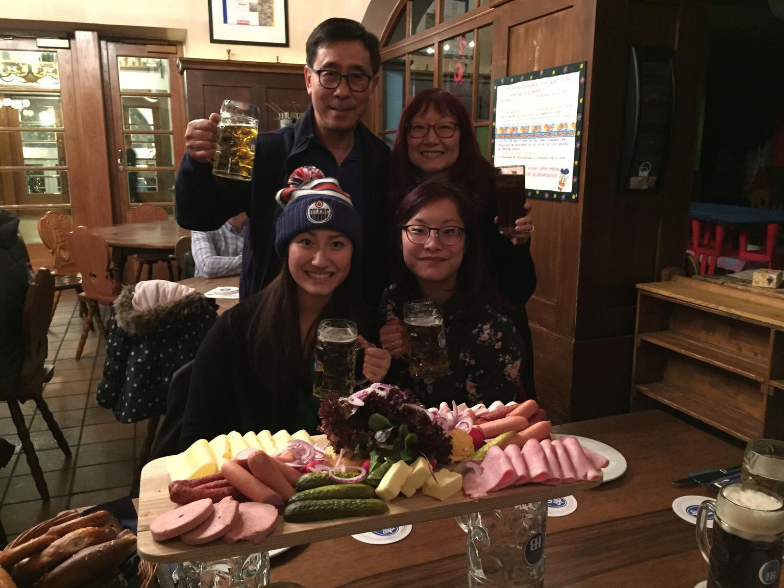 MAIS FOTOS, Bavarian Beer and Food Evening Tour in Munich