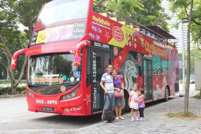 252483_10150269888575630_591560629_9306971_1708799_n - Singapore