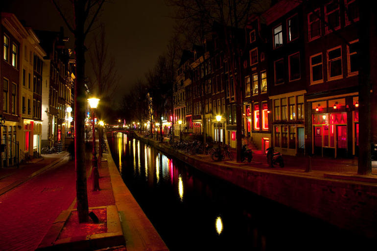 Amsterdam Red Light District at night - Amsterdam