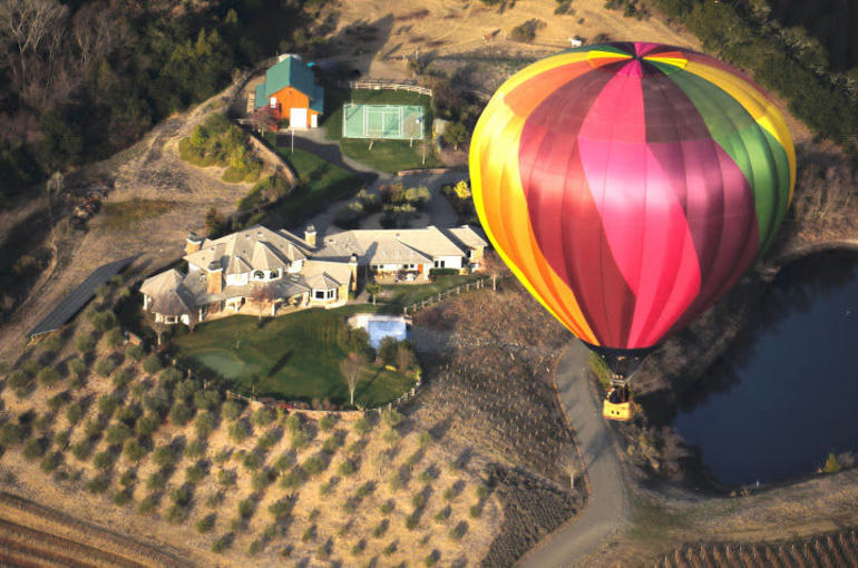 balloon over house - Napa & Sonoma