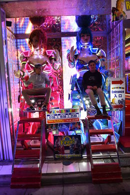 Fun at the Robot Restaurant! - May 2016