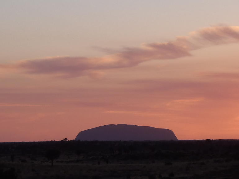 Kata Tjuta Small-Group Tour Including Sunrise and Breakfast photo 8