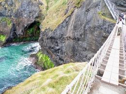 The colors of the sea at Carrick-a-Rede are breathtaking, Morana M - April 2009