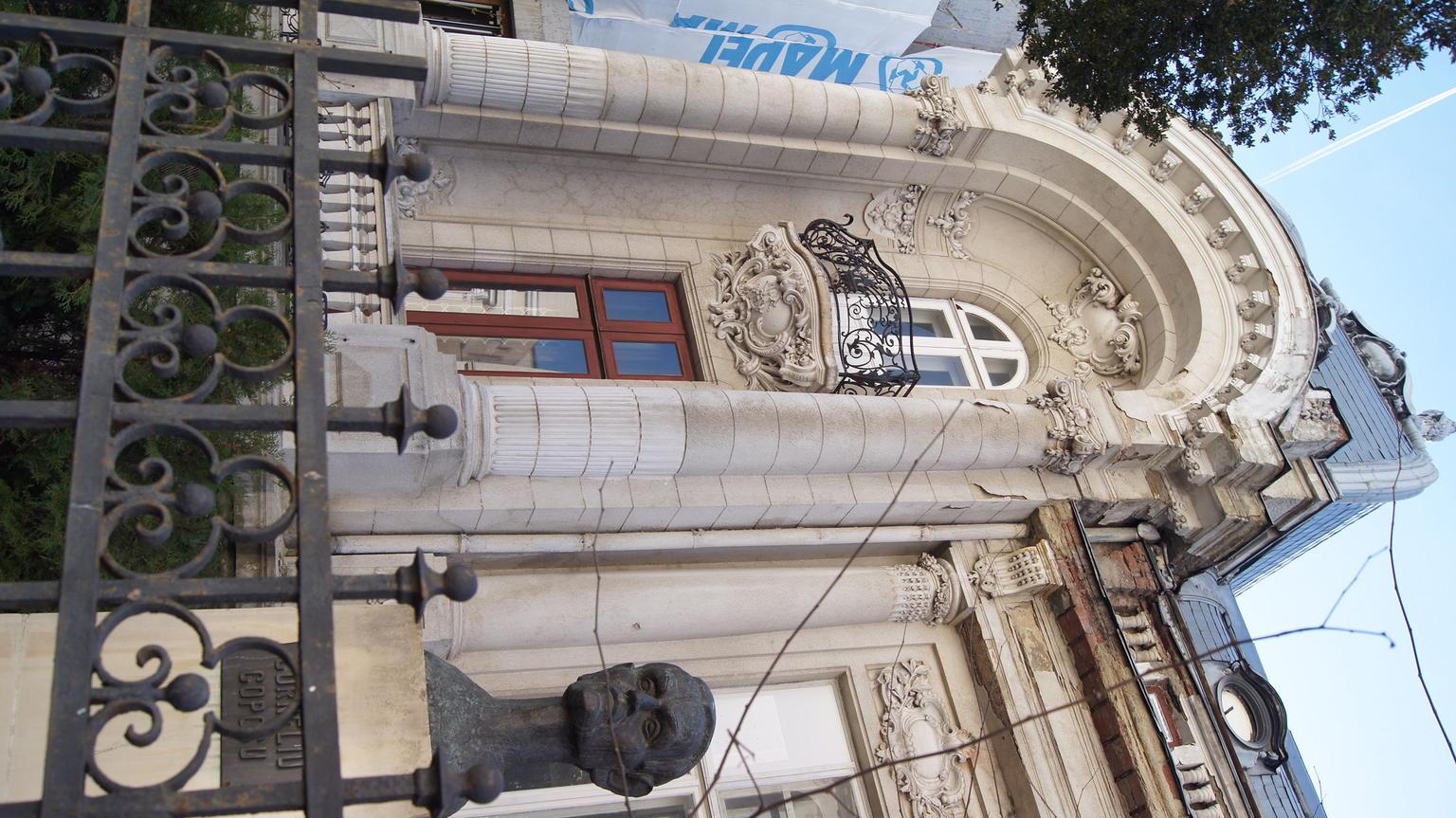 MAIS FOTOS, Excursão pelos tesouros escondidos de Bucareste