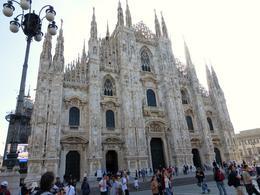 Uit de Metro komend kregen we dit gezicht op de Duomo , Jan v - September 2014