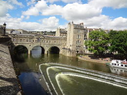 The bridge in the town of Bath - so picturesque. , Ivona C - August 2013