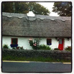 Cottage en toit de chaume typique de la région du Connemara , Stéphane C - August 2015