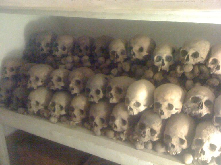More skulls - Lima