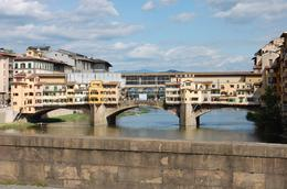 Ponte Vecchio: Great views, Frances - October 2010